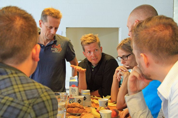 Der blev arbejdet i arbejdsgrupper i fem timer for at finde frem til kerneværdier for et kommende innovations center i København. (Foto: Ernst Poulsen)